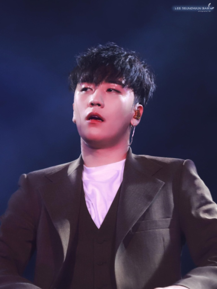 Cái tên Seungri dường như phủ sóng khắp mọi phương tiện truyền thông trong thời gian qua nhưng ít ai biết rằng đây chỉ là nghệ danh của chàng em út BIGBANG, tên thật của anh chàng là Lee Seung Hyun.