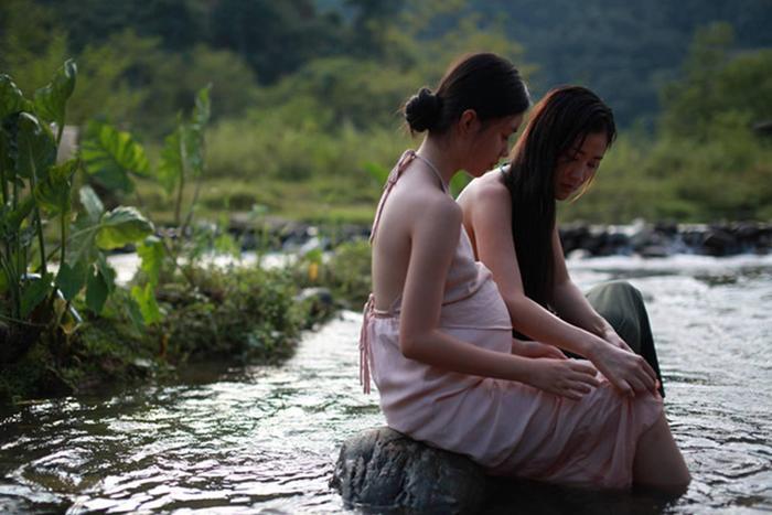 Thứ trưởng Bộ Văn hóa  Thông tin  Du lịch Tạ Quang Đông nói gì về phim Vợ ba? ảnh 4