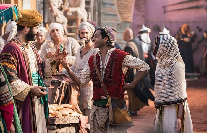 Aladdin 2019: Cặp đôi bị chỉ trích trở thành điểm sáng, kẻ được kỳ vọng lại gây thất vọng ảnh 4