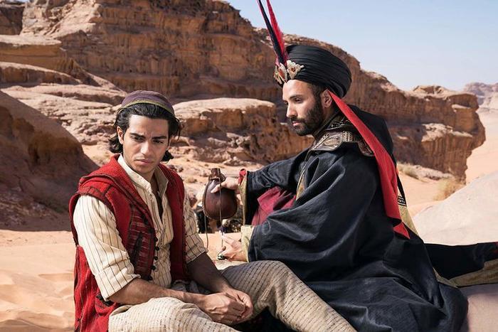 Nhiều người từng cho rằng Aladdin và Jafar nên đổi vai cho nhau sau khi những hình ảnh đầu tiên công bố.