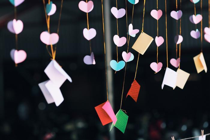 Những dòng lưu bút gửi gắm hy vọng, ước mơ, hoài bão đung đưa trong gió