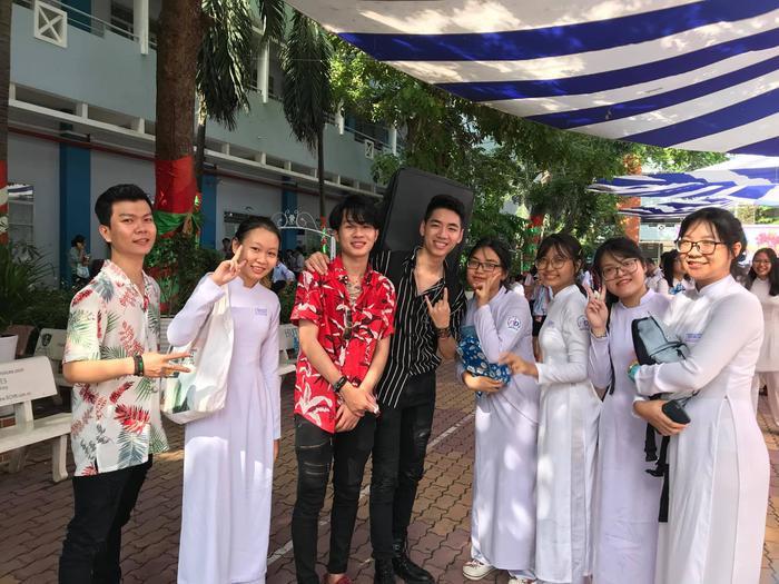 Sự xuất hiện của bộ đôi Jack và K-ICM nhận được rất nhiều tình cảm từ các bạn học sinh, đặc biệt là fan nữ.