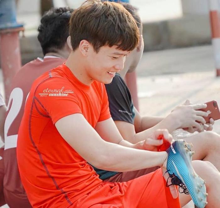 5 cầu thủ U23 Việt Nam khiến chị em 'điên đảo' vì đẹp trai ảnh 1