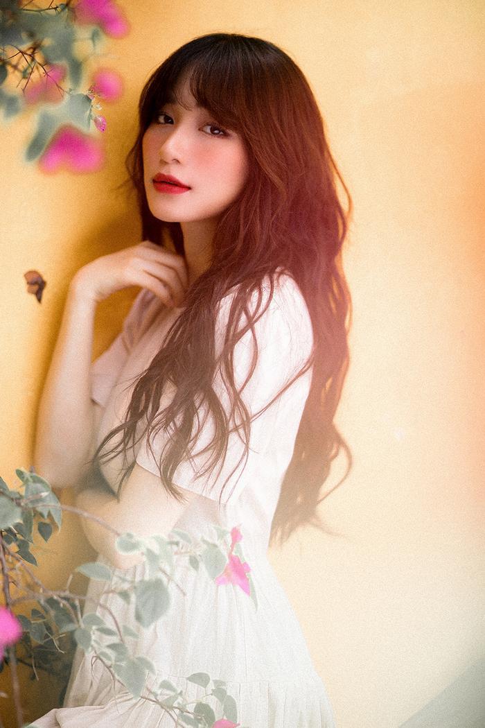Mất giọng hát mất nửa năm, Hòa Minzy chính thức comeback bằng bản ballad không thể sầu thảm hơn ảnh 3