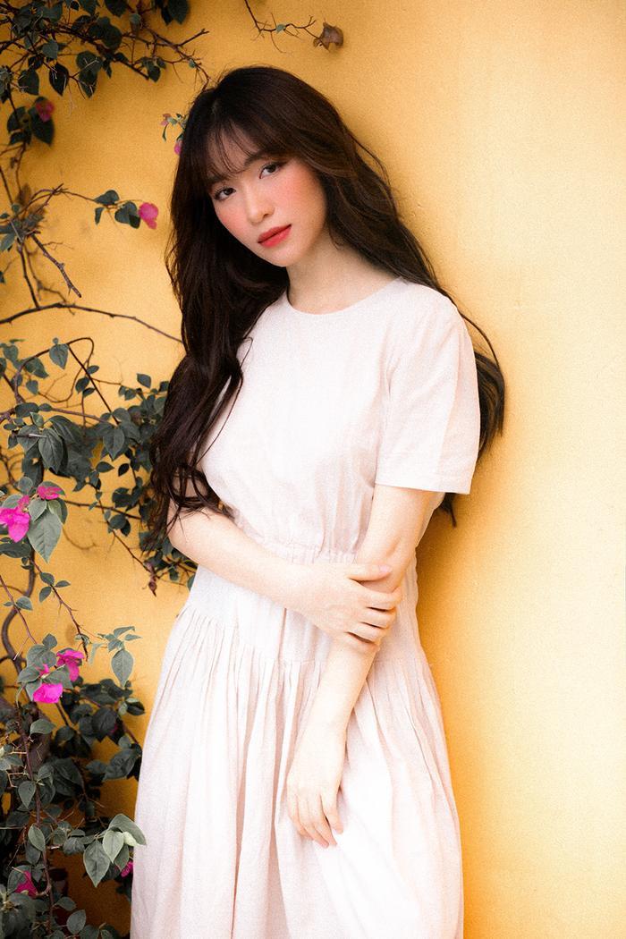 Mất giọng hát mất nửa năm, Hòa Minzy chính thức comeback bằng bản ballad không thể sầu thảm hơn ảnh 4