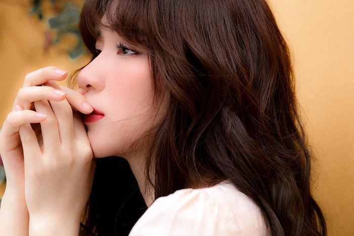 Mất giọng hát mất nửa năm, Hòa Minzy chính thức comeback bằng bản ballad không thể sầu thảm hơn ảnh 7