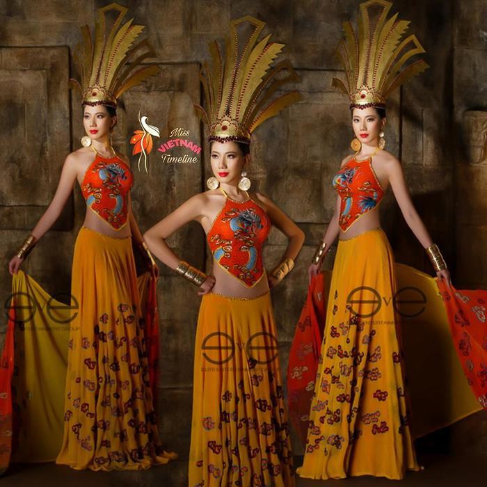 Váy áo của Người mẫu Chung Thục Quyên bị những khán giả hài hước ví von như trang phục của nhân vật Hồng Hà Nhi trong tác phẩm kinh điển Tôn Ngộ Không vì màu mè, rực rỡ.