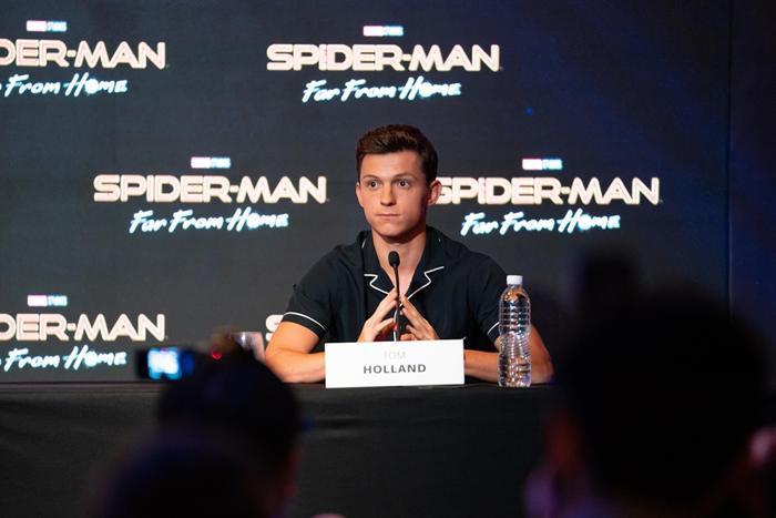 """Nick Fury sẽ là một """"tiền bối"""" hoàn toàn khác với Tony."""