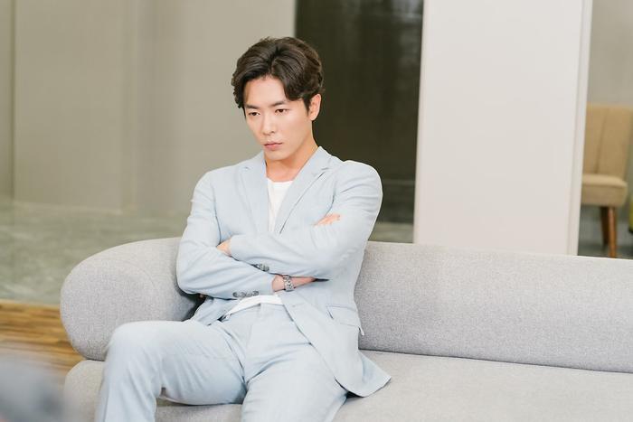 """Nếu như ai đó đang xem """"Voice"""" thì hẳn sẽ nổi da gà với biểu cảm này của Kim Jae Wook."""