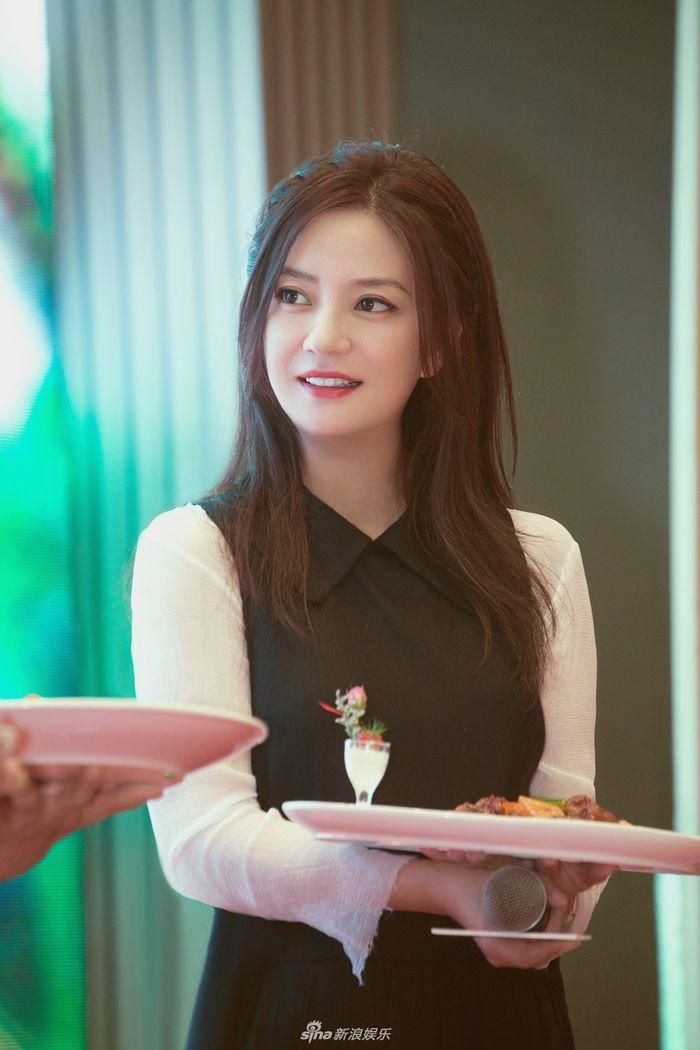 Vì sao Triệu Vy vẫn xinh đẹp như gái 20 tuổi dù đã 43 tuổi? ảnh 3