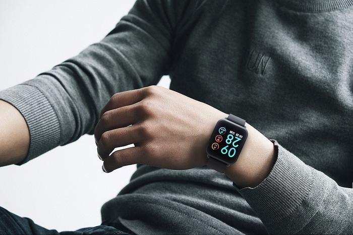 Colmi S9 Plus tích hợp hầu hết những tính năng đỉnh của smartwatch. Khách hàng có thể tìm mua trên Thế Giới Di Động – nhà phân phối độc quyền của thiết bị này.