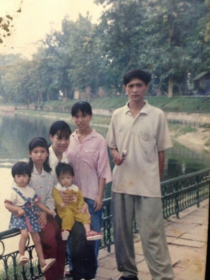 Từ 2 đứa trẻ mồ côi ở mái ấm 'Bán báo Xa mẹ' đến cặp vợ chồng của chuỗi tiệm bánh sầm uất Hà Nội