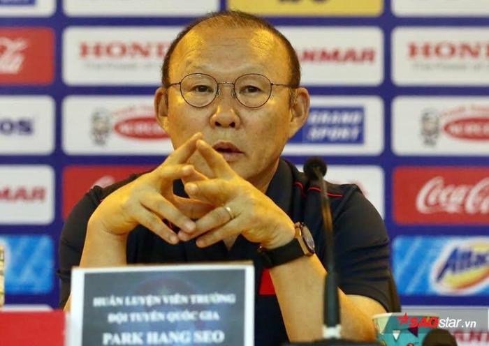 HLV Park Hang Seo bắt truyền thông chủ nhà phải đăng tải lại thông tin nói về King's Cup.