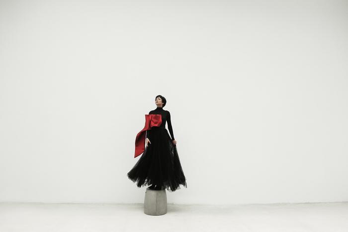 Không ngờ cũng có lúc HHen Niê chụp ảnh high fashion xuất thần thế này! ảnh 6