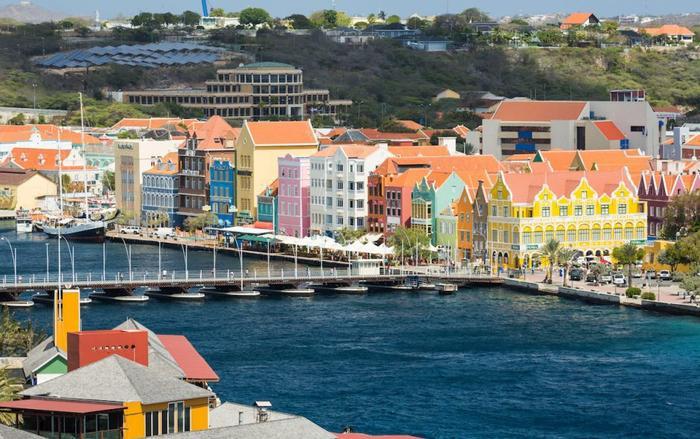 Thủ đô của Curacao là Willemstad.