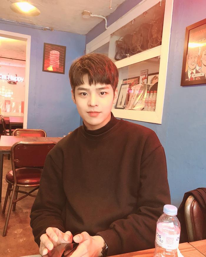 Xuất hiện nam diễn viên giống hệt như Park Bo Gum và Lee Min Ho ảnh 1