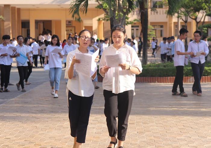 Thí sinh trong kỳ thi tuyển sinh vào lớp 10 tại Nghệ An.