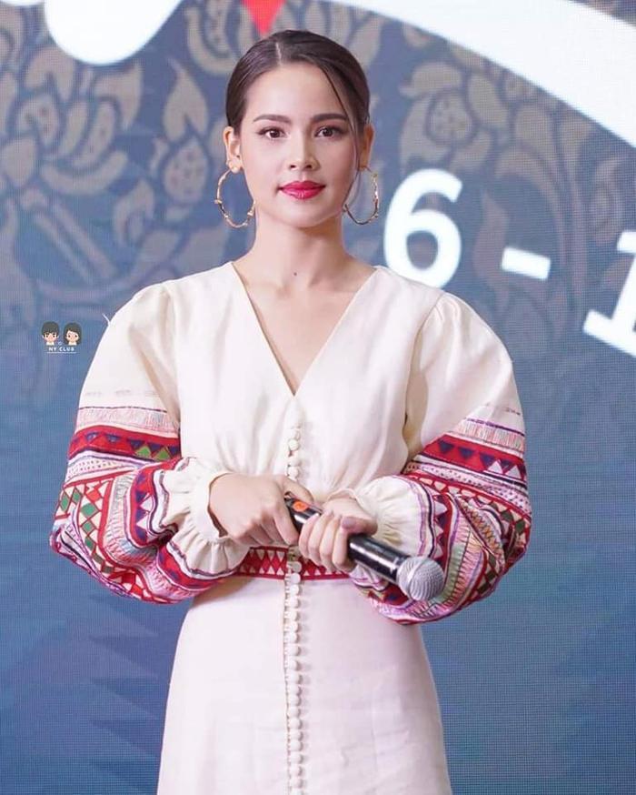 Đạo diễn Off Pongpat trở lại với bộ phim truyền hình mới 'Lai Ginary' hợp tác cùng nữ chính là Yaya Urassaya