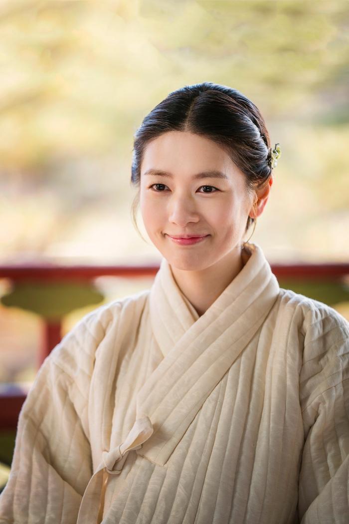 Hae Won(Jung So Min) là một cô gái xinh xắn, thông minh, hiểu biết sự đời.