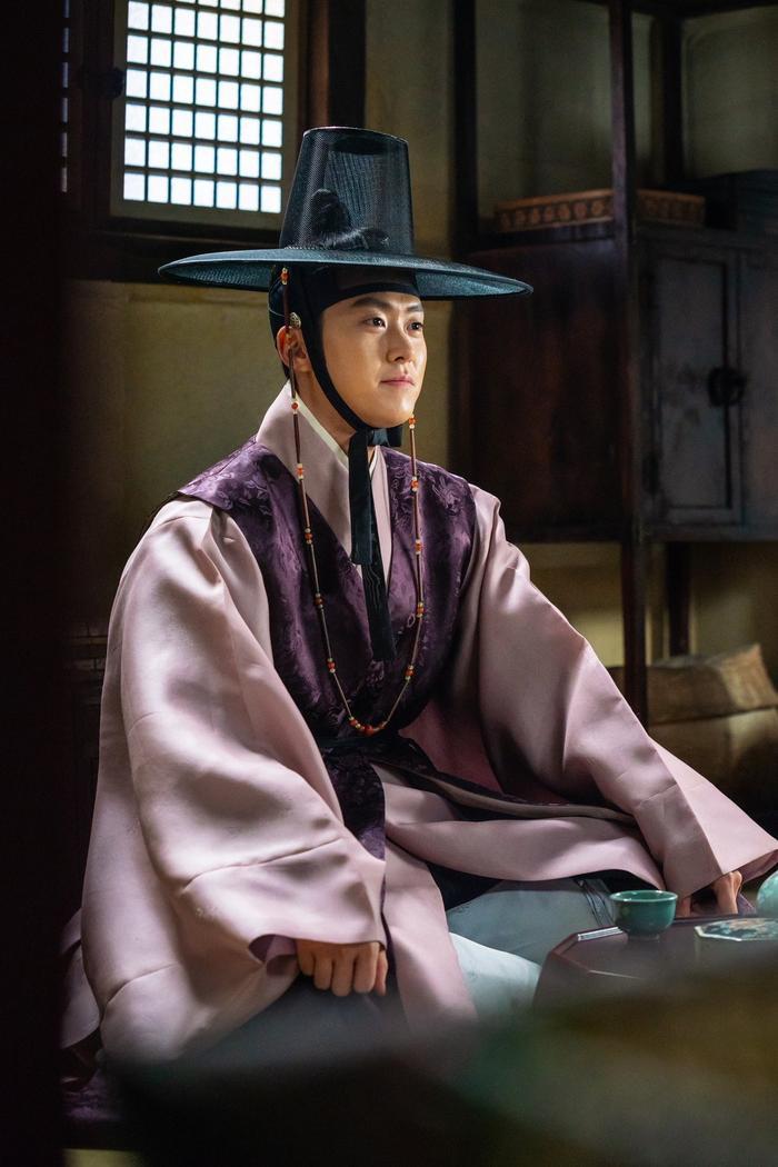 Gong Myung – một công tử điển tra, cao nhã.