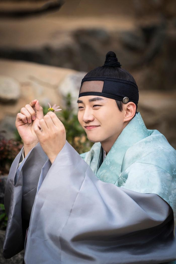 Tuy không mấy thành công, ít nhiều Huk Saek cũng đã trở thành kỹ nam hàng đầu của Joseon.