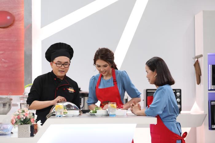 """Thông qua chương trình này, Hoa hậu Tường Linh cho thấy """"Người đẹp không phải để trưng bày""""."""