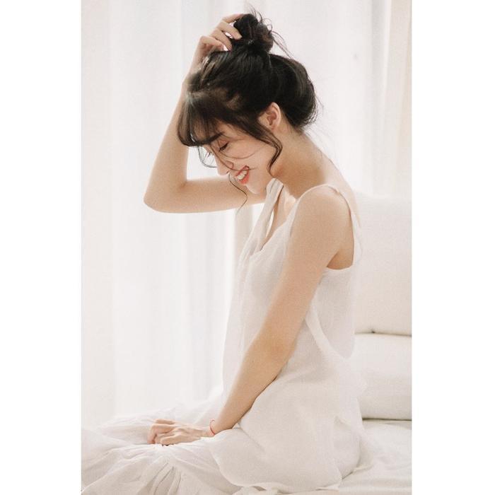 Lâm Oanh phù hợp với nhiều gu thời trang khác nhau, từ năng động, trẻ trung cho đến bánh bèo, gợi cảm. Cô được kì vọng trở thành fashion icon thế hệ mới.