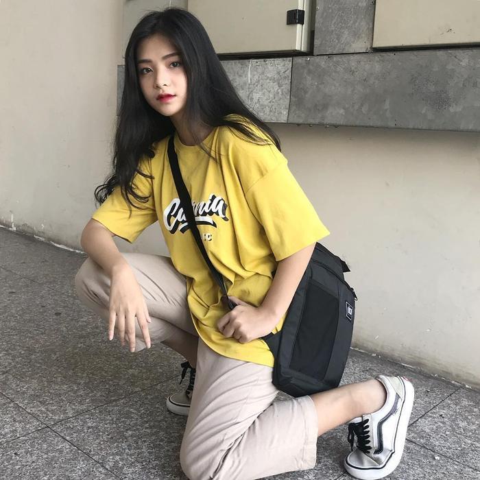 """Ngọc Quỳnh luôn biết cách thu hút sự chú ý bởi """"style"""" thời trang cá tính, đậm chất Hàn Quốc"""