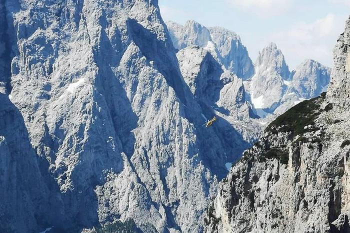 Jean Andre Quemener tử vong khi nhảy từ độ cao 3.000 mét ở khu vực núiDolomite. Ảnh: Instagram