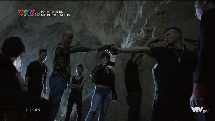 Tập 15 phim 'Mê Cung': Để bảo toàn tính mạng, Khánh buộc phải 'xuống tay' với đồng đội Hiền.