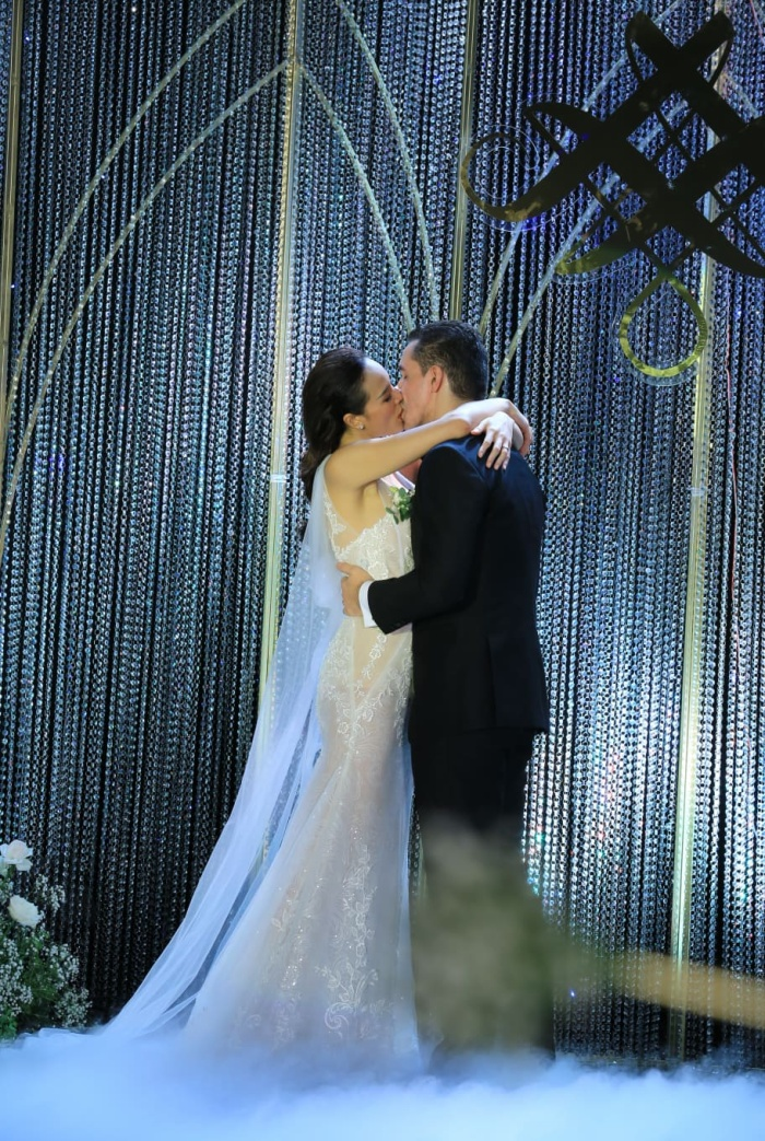 Choáng với giá trị bộ trang sức của Phương Mai diện trong ngày cưới