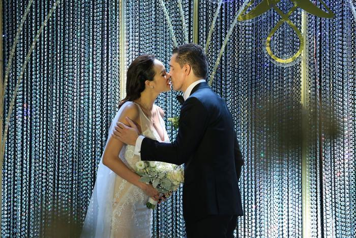 Choáng với giá trị bộ trang sức của Phương Mai diện trong ngày cưới ảnh 4