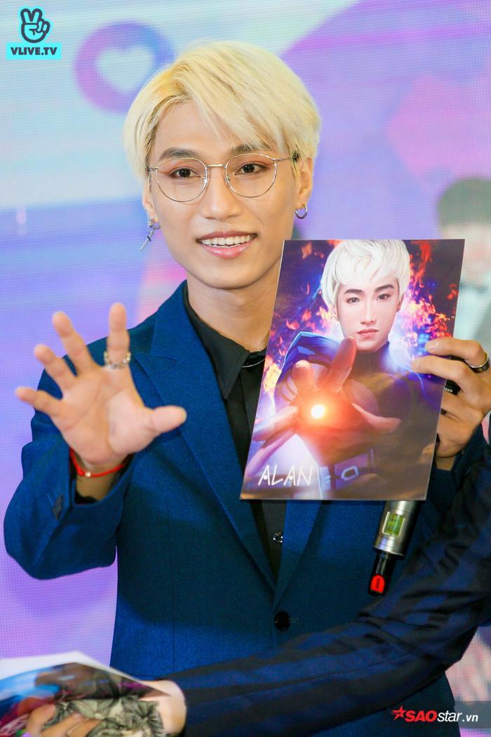 Buổi fansign của Zero 9: Fan từ cười tươi hết cỡ đến xúc động, ôm chặt các thành viên không rời ảnh 12