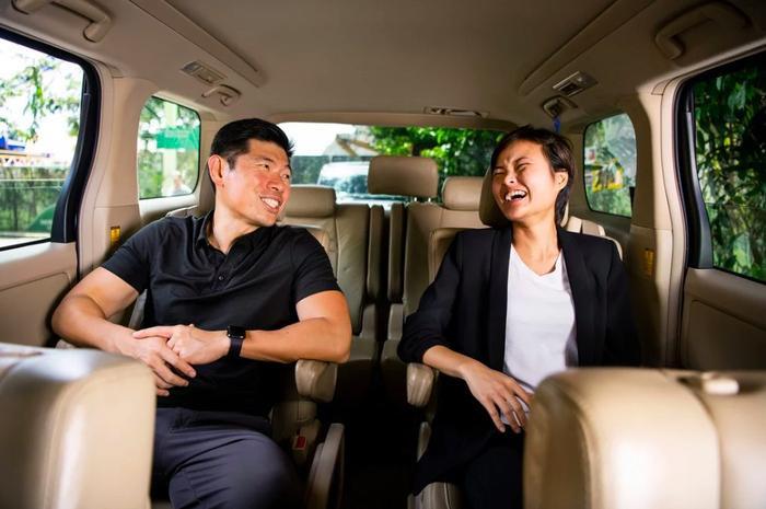 Anthony Tan và Hooi Ling Tan khởi nghiệp với MyTeksi bằng 25.000 USD từ một cuộc thi ở trường kinh doanh Harvard.