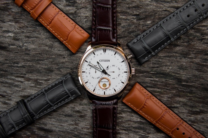 Hirsch và ZRC là 2 thương hiệu được yêu thích để thay dây da đồng hồ giá rẻ cho các sản phẩm đồng hồ hiệu (trong ảnh là Hirsch Paul (vàng) và Hirsch Duke (đen) bên cạnh dây gốc Citizen).