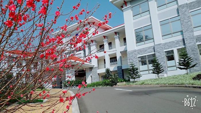 Đại học Tôn Đức Thắng – cơ sở Bảo Lộc với những tòa nhà vừa được đưa vào sử dụng, cơ sở vật chất khang trang, mới mẻ.