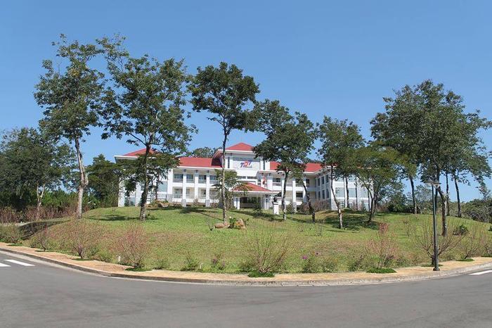 Đại học Tôn Đức Thắng – cơ sở Bảo Lộc tọa lạc tại Cao nguyên Đại Bình TP. Bảo Lộc
