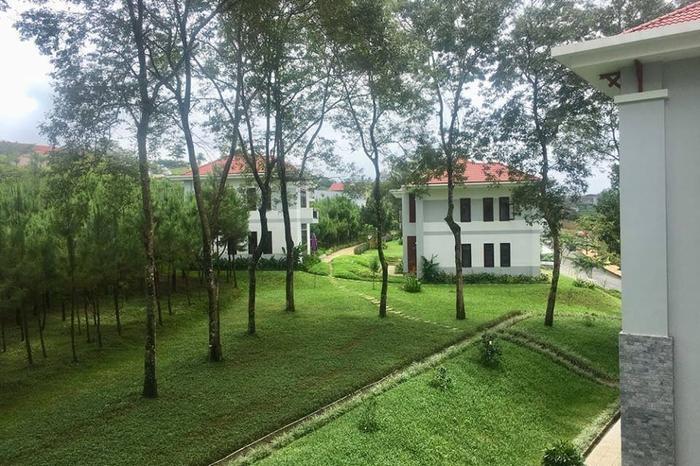 """Nhiều người ví rằng, khuôn viên củaĐại học Tôn Đức Thắng – cơ sở Bảo Lộc chẳng khác nào một khu nghỉ dưỡng """"xịn"""" của sinh viên."""