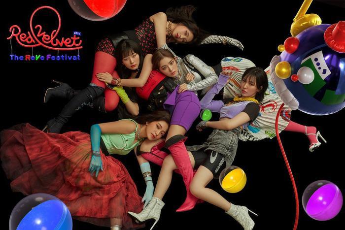 Red Velvet trở lại đầy tươi mới, trẻ trung với đủ 5 thành viên trong loạt ảnh teaser The ReVe Festival Day 1.