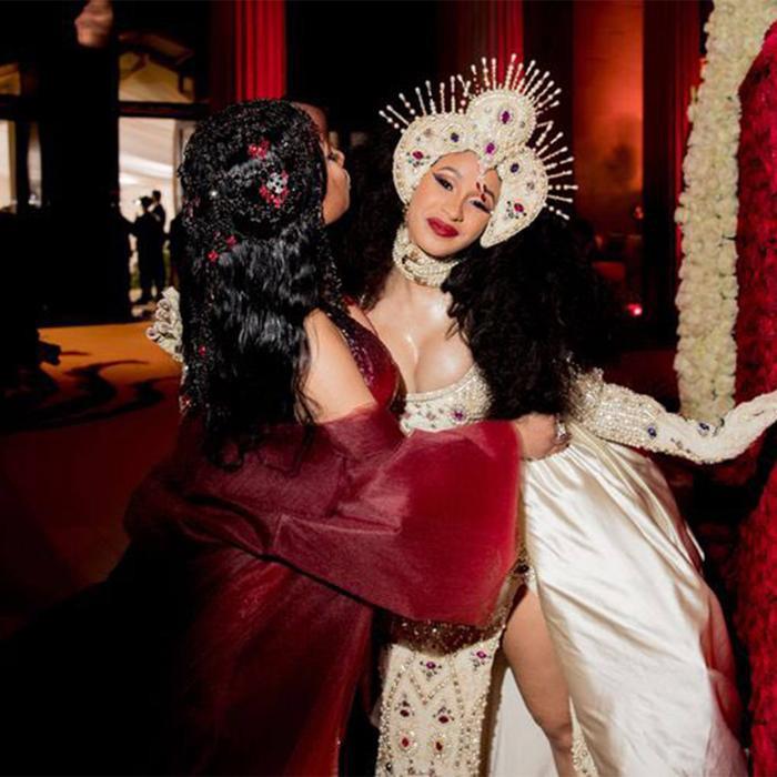 Liệu rằng một ngày nào đó chúng ta được nhìn thấy hình ảnh chị em thân thiết của Nicki Minaj và Cardi B lần nữa?