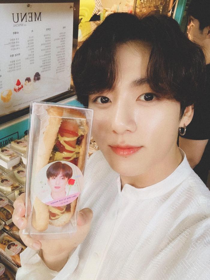 Bạn có biết món quà đặc biệt mà Yeo Jin Goo gửi tặng Jungkook (BTS) là gì không? ảnh 1