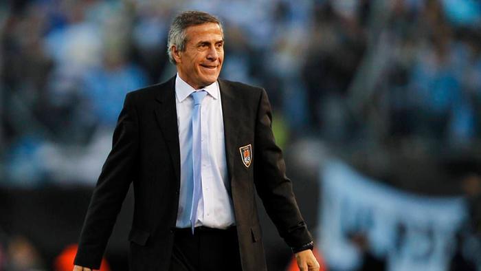 Ông Oscar Tabarez tỏ ra khá tự tin vào hành trình tiếp theo của đội nhà.