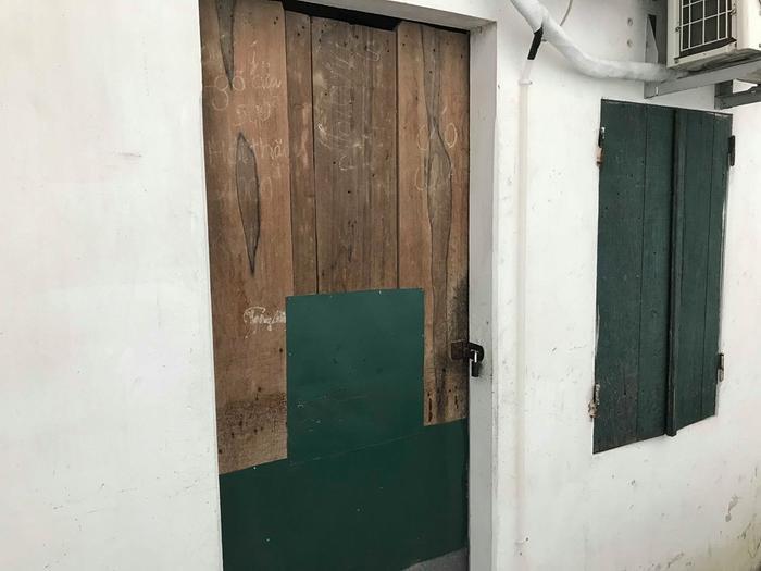 Phòng trọ nơi nạn nhân bị sát hại.