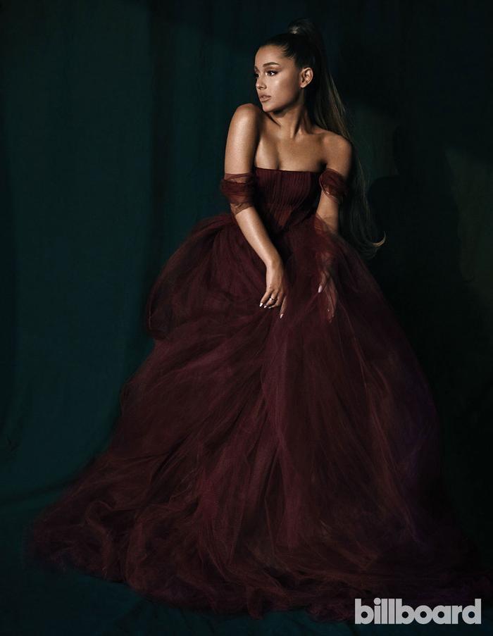 Vụ nổ bom kinh hoàng tại Manchester hẳn là một nỗi đau khó quên trong sự nghiệp âm nhạc của Ariana Grande.