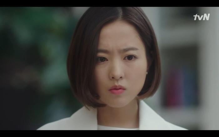 Se Yeon biết được tiền bối thân thiết của mình chết là do Ji Wook.