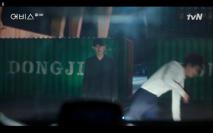 Phim Abyss tập 13-14: Ahn Hyo Seop lại hồi sinh sát nhân, đau khổ khi Park Bo Young bị nhốt trong phòng băng đến chết ảnh 48
