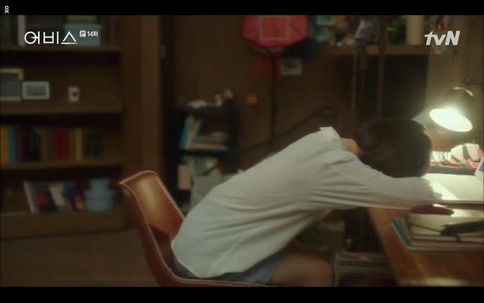 Phim Abyss tập 13-14: Ahn Hyo Seop lại hồi sinh sát nhân, đau khổ khi Park Bo Young bị nhốt trong phòng băng đến chết ảnh 76