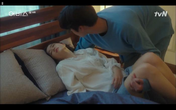 Phim Abyss tập 13-14: Ahn Hyo Seop lại hồi sinh sát nhân, đau khổ khi Park Bo Young bị nhốt trong phòng băng đến chết ảnh 77