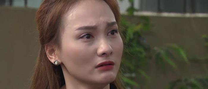 Anh Thư (Bảo Thanh) tức giận vì ông Sơn (NSƯT Trung Anh) quen cô Hạnh (Hoa Thúy)