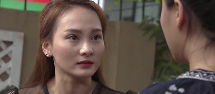 Tập 47 phim Về nhà đi con: Từ cô Xuyến đến cô Hạnh, Anh Thư nhận lại chỉ trích vì phản đối bố đi bước nữa ảnh 8